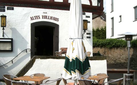 Altes Zollhaus am Rheinufer in Bad Breisig